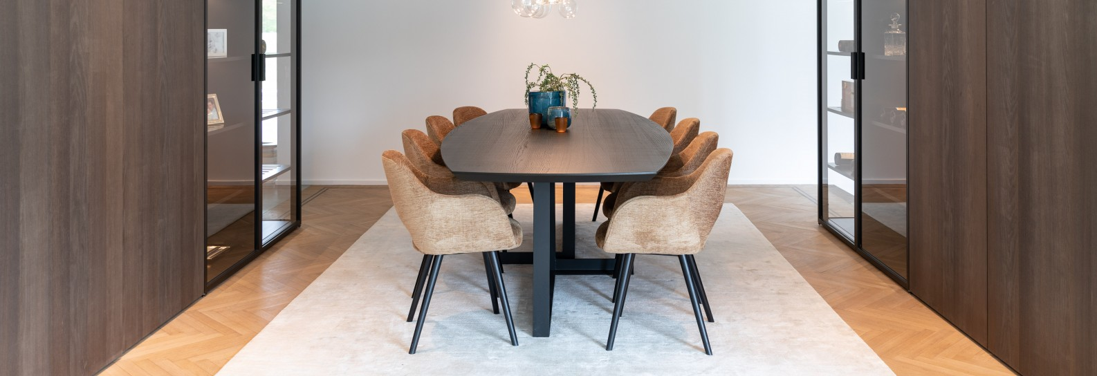 Dining table Empire arm chair verbier