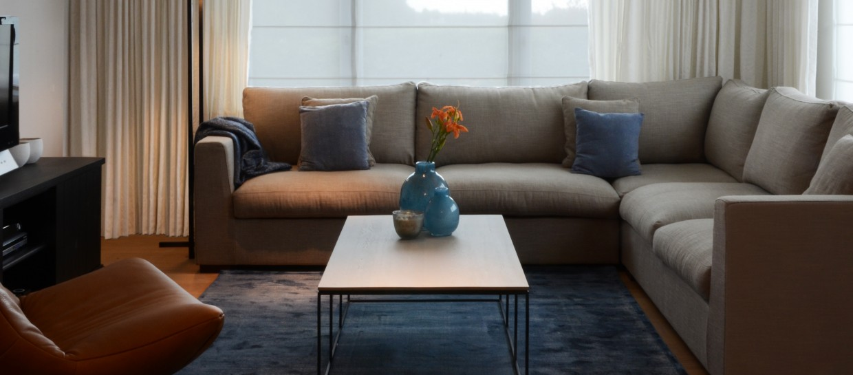 Charrell, floorlamp austin, coffee table ferrum, sofa victory